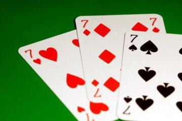 Тройка, Сет и Трипс в покере