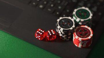 Покер онлайн на условные деньги — как играть и с чего начать
